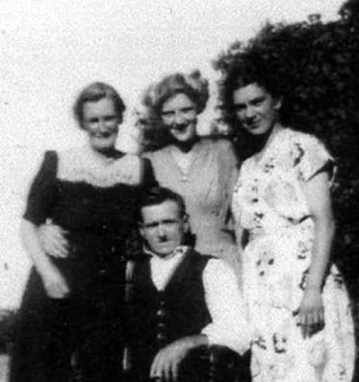 Nanny and Grandad Pratten,  Rosemary (cousin) and my Auntie Marg.