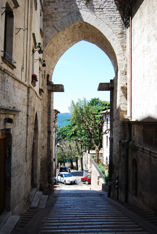 """Anywhere you go in Perugia, you will meet numerous arches. On my way to university there is The Gate of San Pietro, also known as """"Porta Romana"""" (Roman Gate)."""