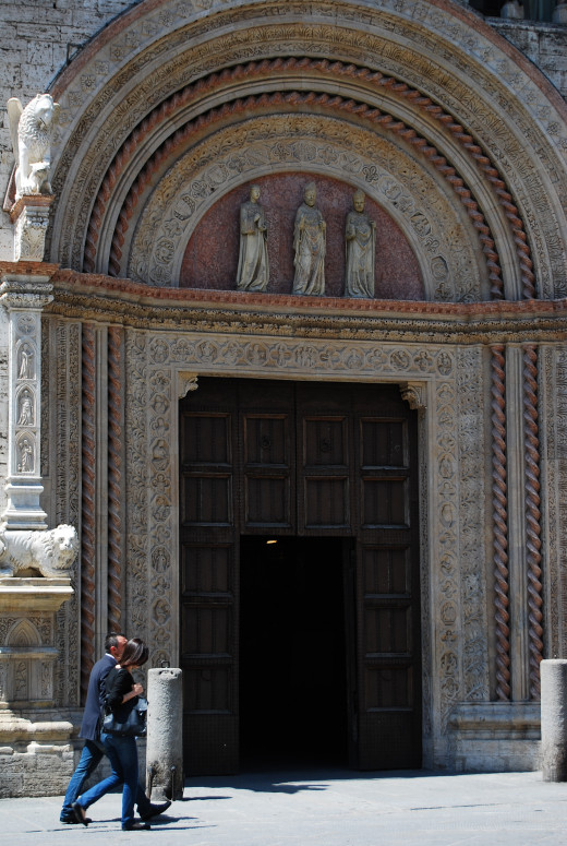 An entrance to the Galleria Nazionale dell'Umbria (National Gallery of Umbria).