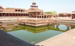 Visiting: Fatehpur Sikri Palace of the Mughal Emperor Jalaluddin Akbar