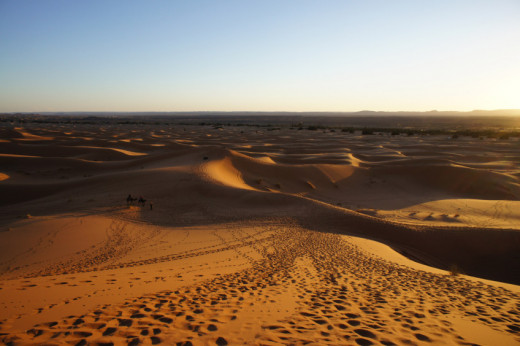 Despite the size of the desert, the Sahara's grains are useless for most industrial processes due to their excessively round grains, meaning that we have to turn to less vast sources.