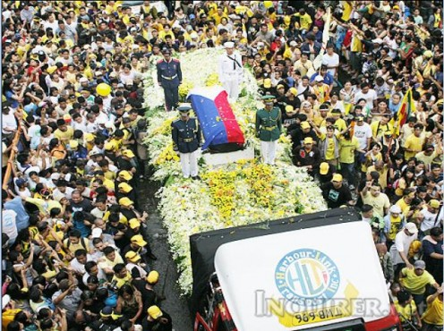 Pres. Cory Aquino's hearse on its way to her final resting place beside her beloved husband (www.inquirer.net)