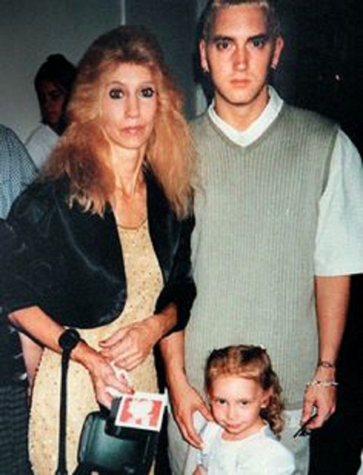 Rare picture of Eminem with his mother and daughter