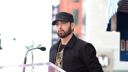 Eminem at the mic.