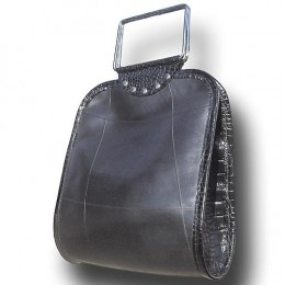 Not Versace, but fairly stylish handbag made from old tyres      credit keetsa.com