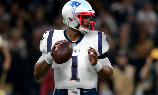 Late in the offseason Cam and the Pats agree on a 1 year/1.05M contract.