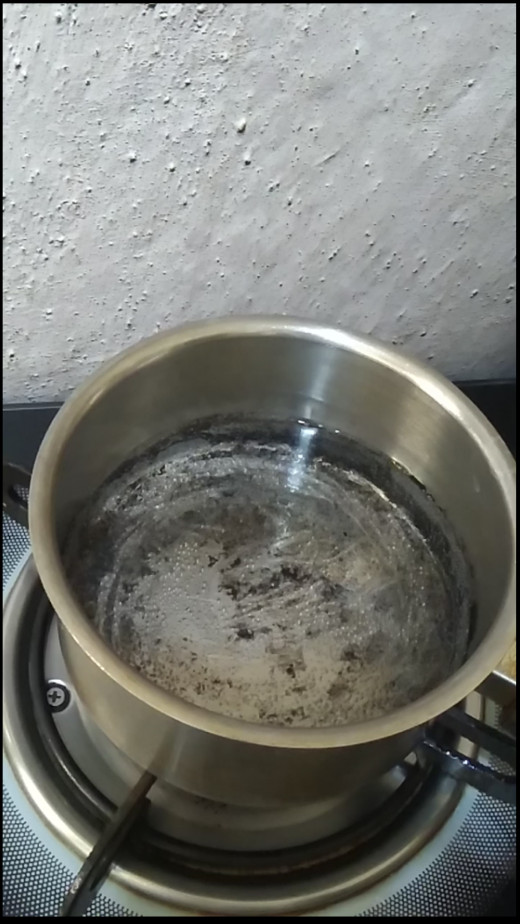 Boil water in a tea pan. (just fill 1/4 of the tea pan with water.)