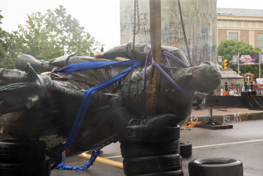 Statue of Stonewall Jackson Torn Down