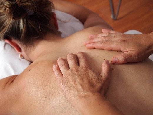 Therapeutic massages may ease back pain