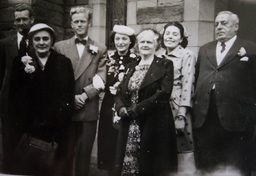 My Auntie Eileen marries my Uncle Bill Bennett. Grandad Evans is on the right, Grandma Evans on the left, Auntie Josie second right.