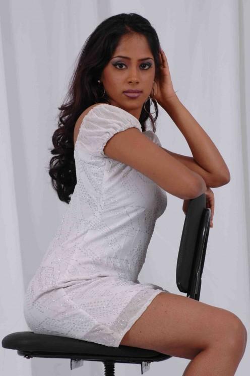 Hot Actress Photos Free HD: Sri Lankan Hot Actress Photos