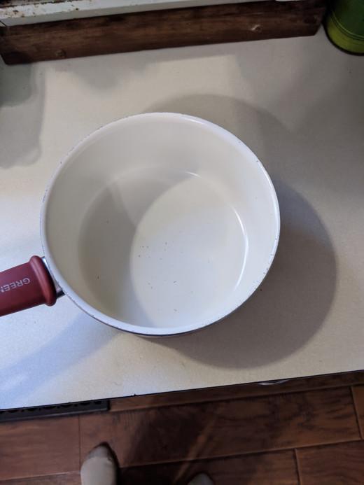 Find medium saucepan