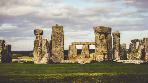 Stonehenge, the area in England that is in the episode Unhenged.