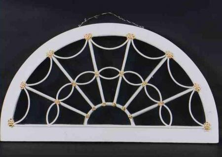 Fanlight circa 1800-1815 made in the American Federal style. Image courtesy of equinoxantiques.com