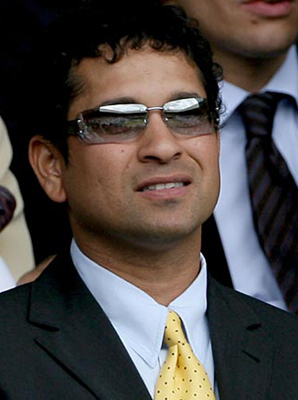 Sachin tendulkar-the living legendery batsman