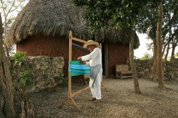 Weaving a Mexican Hammock
