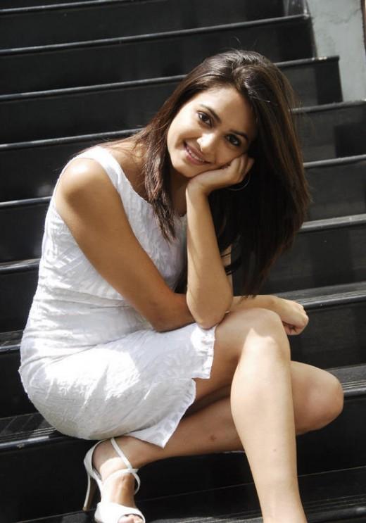 Kriti Kharbanda is pretty as a picture