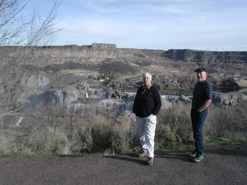 You can see the Falls and the Hydro Electric Powerplant behind us, even stood here the roar of the water is still loud.