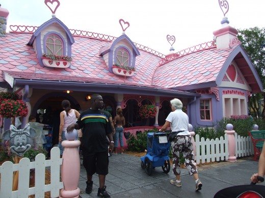 Mickey's Toontown Fair: Minnie's Country House