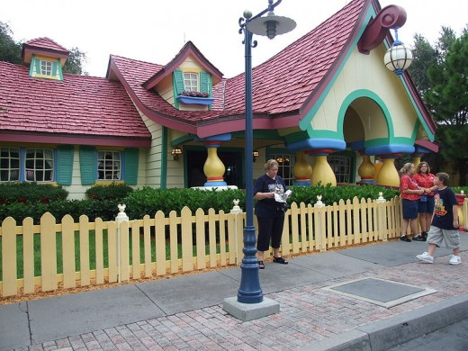 Mickey's Toontown Fair: Mickey's Country House
