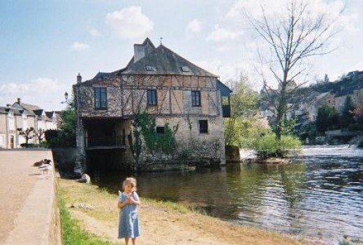 Argenton Sur Creuse, banks of the Cruise River