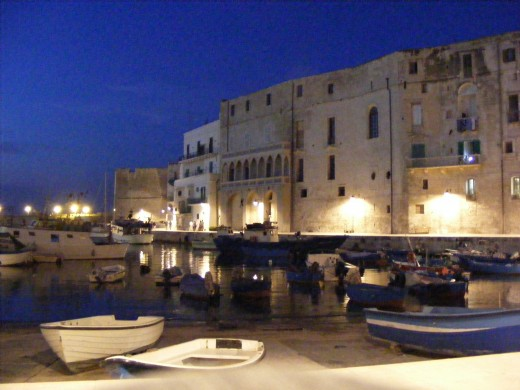 Monopoli's old fishing harbor