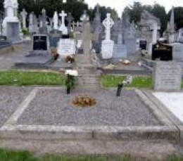 Grave of Eamon de Valers in Glasnevin Cemetery