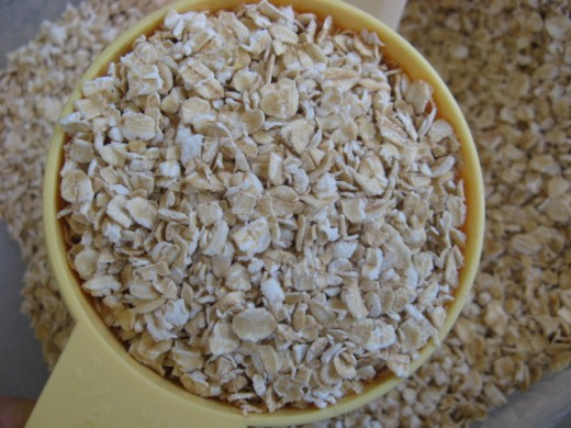 Here they are, quick oats. Rolled oats will do too, but your results will be different.