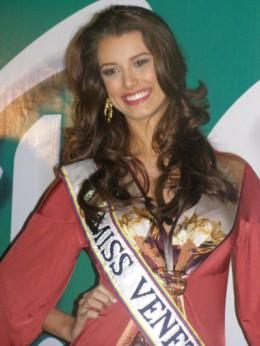 Miss Venezuela Stephania Fernandez