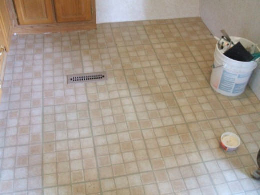 Fully tiled floor.
