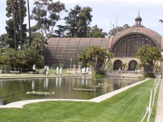 The Botanical Garden House looks like a giant beautiful bird cage!