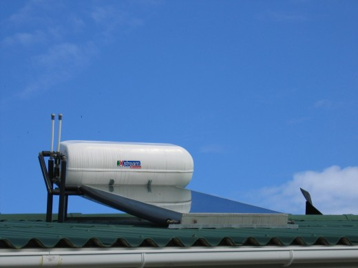Descriptions and plans for several types of solar water heating systems, including batch systems, drainback systems, and closed loop systems.
