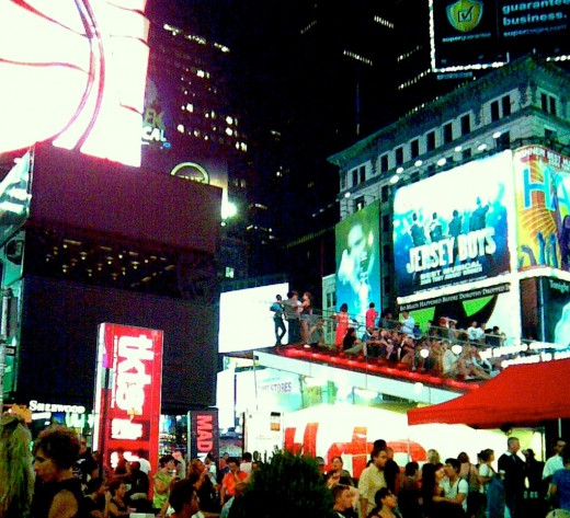 Mad Men Season Three premieres outdoors in Times Square, New York City / E. A. Wright 2009