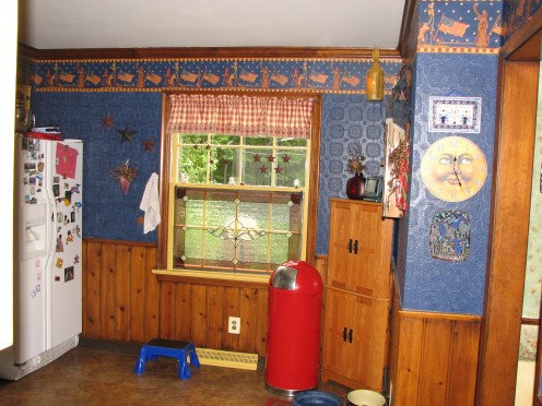 My kitchen with the Americana theme.  The border has an old fashioned Uncle Sam and Lady Liberty on it