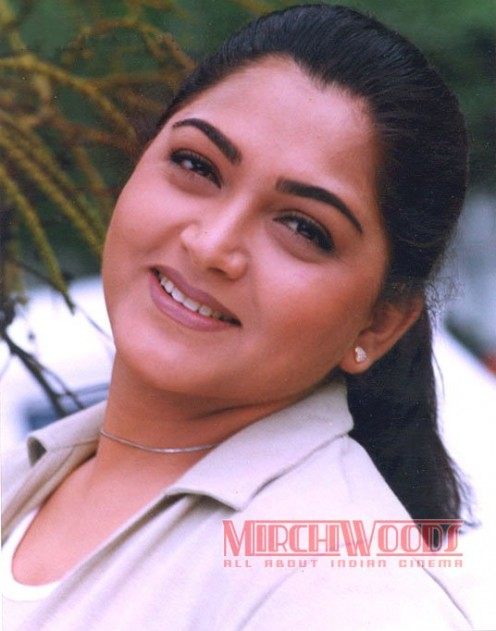 Chubby South Indian Aunty Actress Kushboo Pictures Image 10