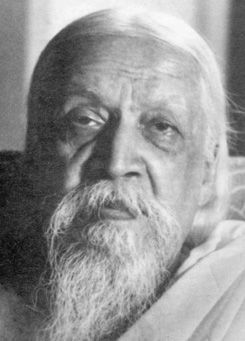 Saint Aurobindo(Aravind)-founder of aurobindo ashram at Pondichery
