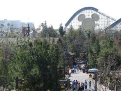 Hotels Near Disneyland Entrance - Hotels with the Shortest Walk
