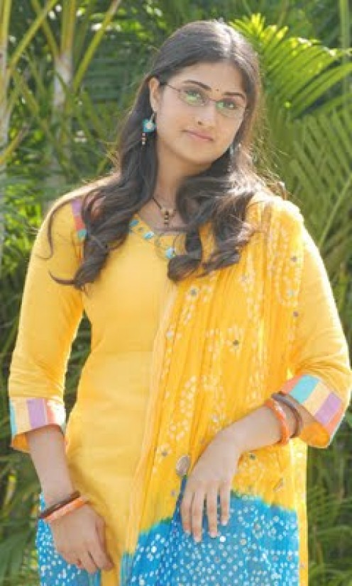 Indian Actoresses Baby Shamili Turns Into A Beautiful Actress 600 X ...