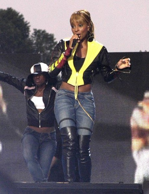I doubt that anyone ordered powerful entertainer Mary J. Blige to marry. It was her choice. (public domain)