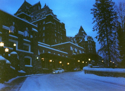 Banff Springs Hotel, really like the Rundle Lounge but I could have used a flash.