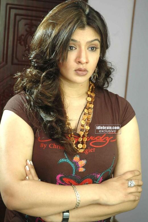 hindi actress wallpapers. actress wallpapers|Aarthi