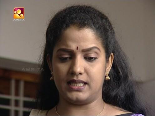 Sexy Malayalam TV Serial Aunty Maya Moushmi Image 15