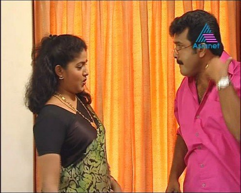 Sexy Malayalam TV Serial Aunty Maya Moushmi Image 1