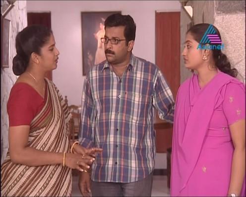 Sexy Malayalam TV Serial Aunty Maya Moushmi Image 4