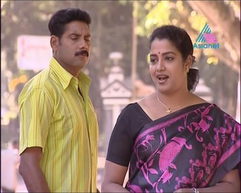 Sexy Malayalam TV Serial Aunty Maya Moushmi Image 5