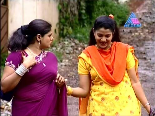 Sexy Malayalam TV Serial Aunty Maya Moushmi Image 6