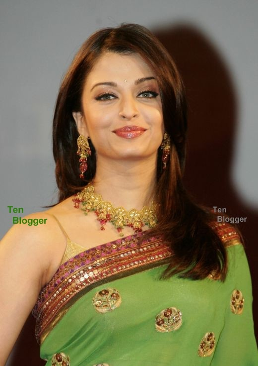 Aishwara Rai in Green Saree looks stunning