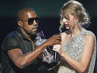 Kanye West Rudely Snatching The Mic from Taylor Swift After She Won Best Female Video.