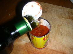 Use olive oil to keep the rest of the tomato paste fresh