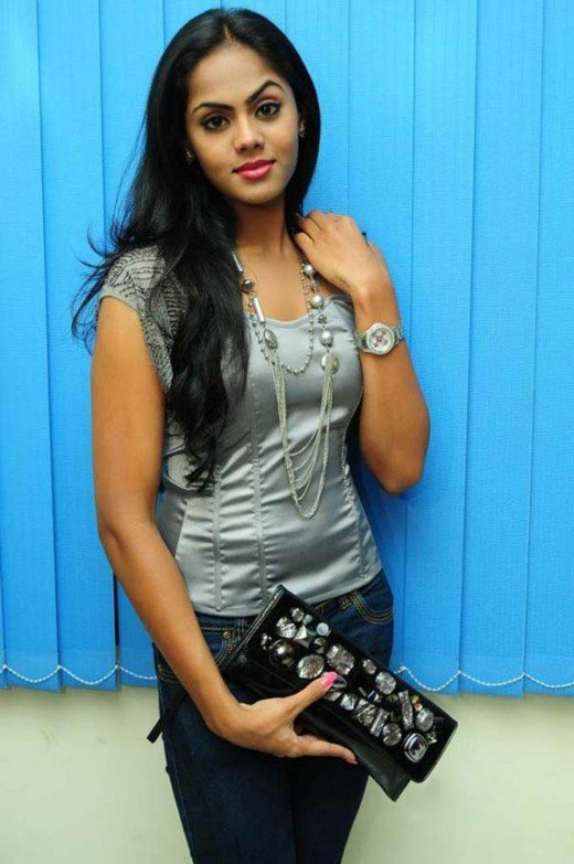 == Actress Radha's daughter Karthika ==
